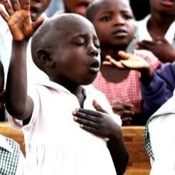 children worshiping